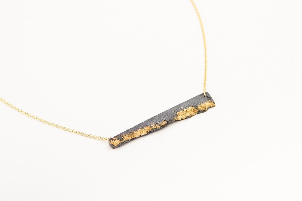Dconstruct fracturedbarnecklace gold