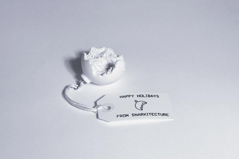 213 broken ornament 03